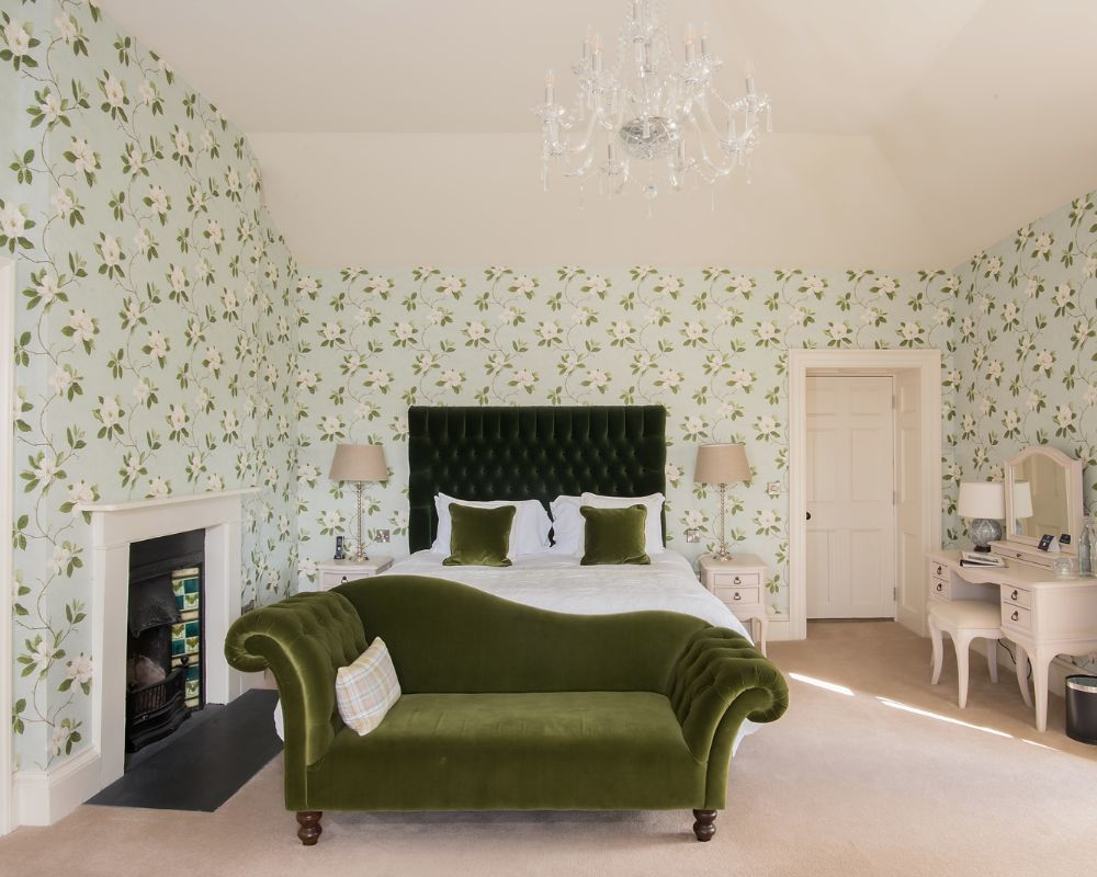 Boyne House Slane boasts 6 tastefully appointed luxury ensuite Heritage Bedrooms in the Main House, providing luxurious accommodation in the heart of Slane village.